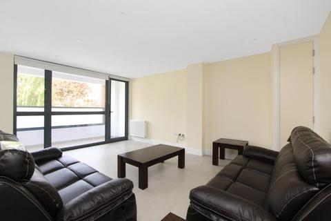 2 bedroom apartment to rent - Well Street, Hackney, London, E9