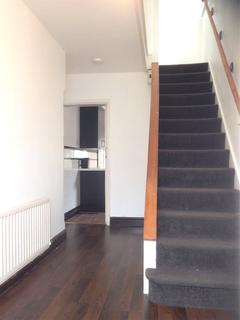 3 bedroom semi-detached house to rent - Salisbury Avenue, Styvechale, Coventry, West Midlands, CV3