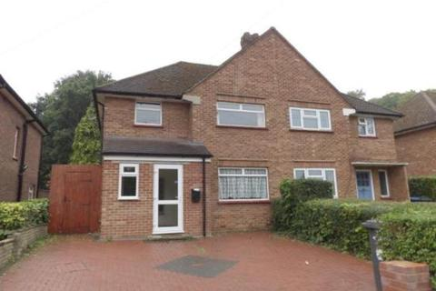 6 bedroom semi-detached house to rent - Spring Rise, Egham, TW20