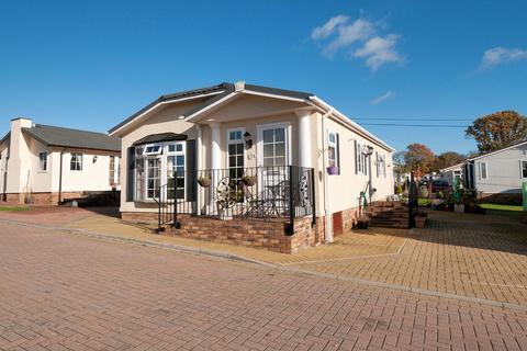 2 bedroom mobile home for sale - Pilgrims Retreat, Harrietsham