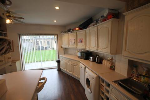 3 bedroom house to rent - Colvin Gardens, Waltham Cross