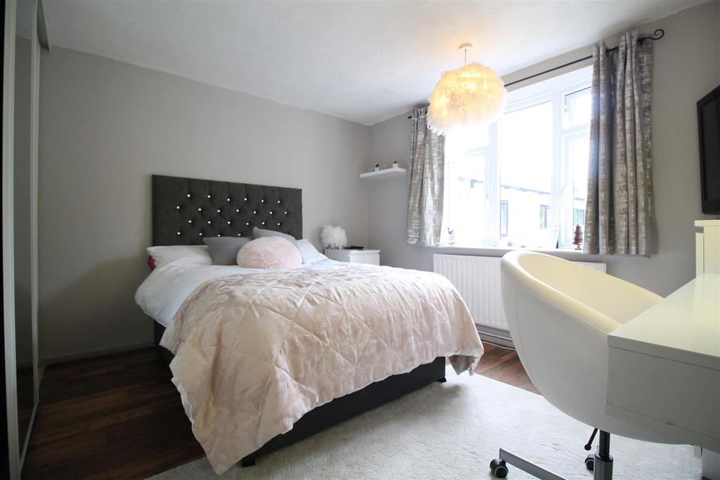 Main Bungalow   Bedroom 2