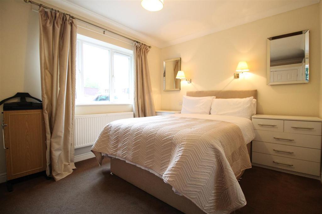 Main Bungalow   Bedroom 3
