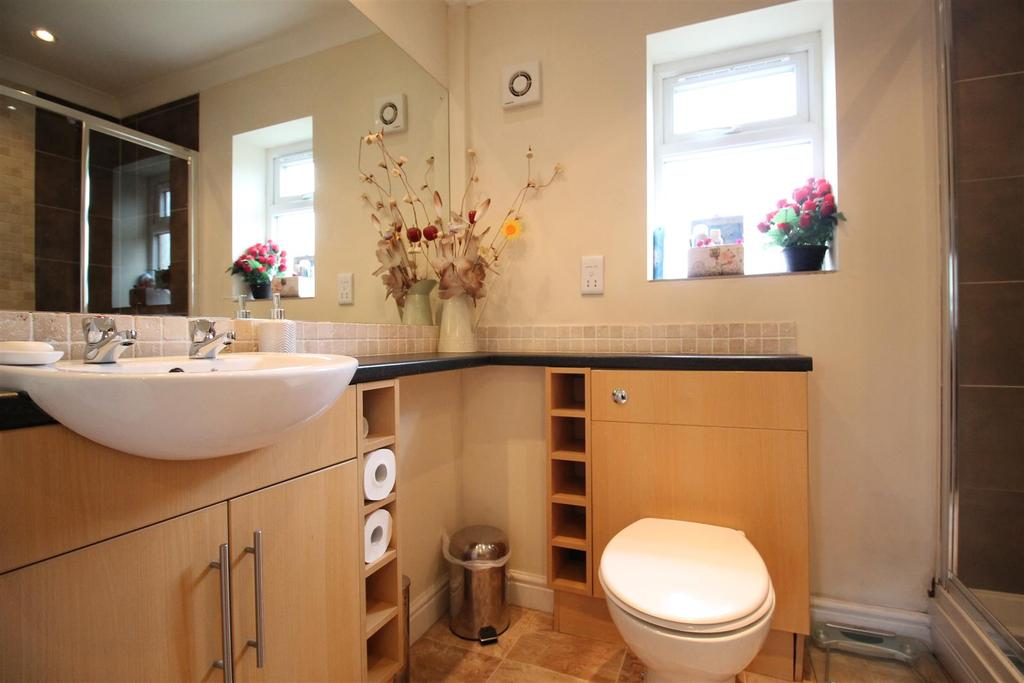 Second Bungalow   Shower Room