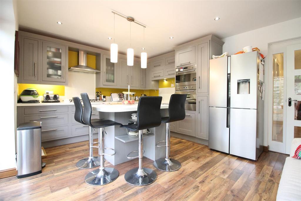 Main Bungalow   Kitchen