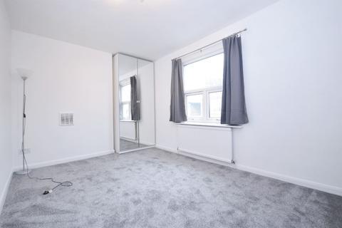 3 bedroom flat to rent - Cambridge Grove, Hammersmith W6 0LA