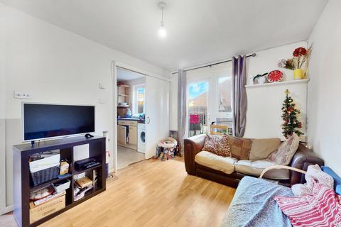 4 bedroom terraced house to rent - Robertson Street, Battersea