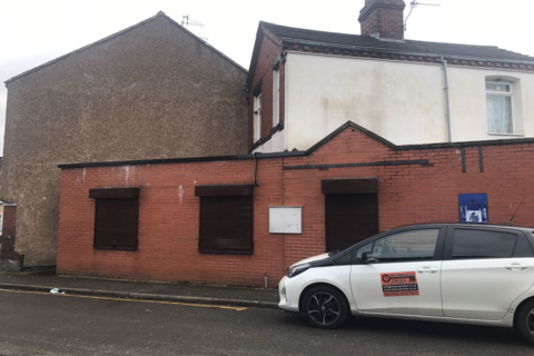Shop to rent - Summerbank Road, Tunstall, Stoke on trent ST6