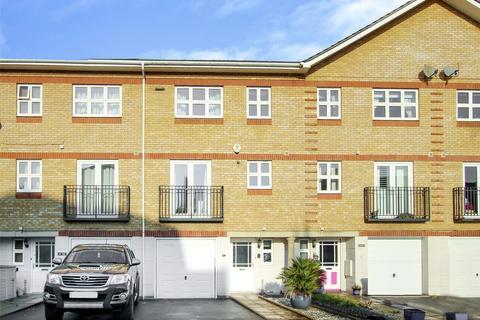 4 bedroom terraced house to rent - Ogden Park, Bracknell, Berkshire, RG12