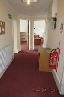 3 bedroom flat to rent - VICTORIA ROAD, City Centre