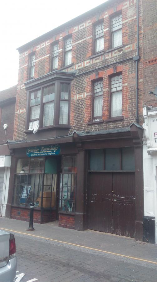 Superb block of flats and commercial shop availab