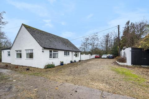 3 bedroom detached bungalow for sale - Witney, Oxfordshire, OX29