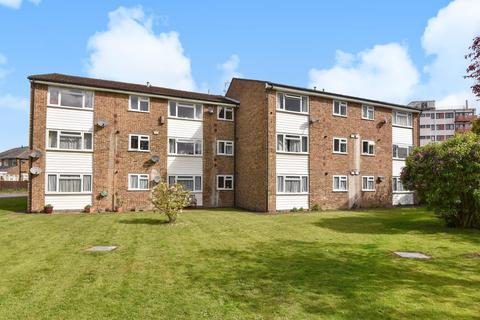 2 bedroom apartment to rent - Fennels Road, High Wycombe, HP11