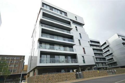 2 bedroom flat for sale - Robinson Bank, Geoffrey Watling Way, Norwich