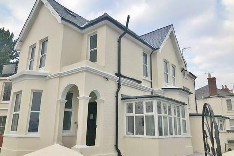 Studio to rent - Madeira Lodge, 1 Madeira Avenue, Worthing, BN11 2AT