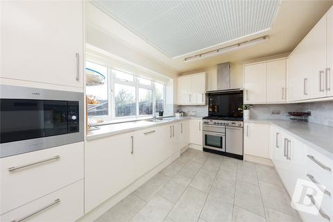 4 bedroom detached house for sale - Sycamore Close, Gravesend, Kent, DA12