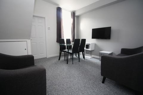 4 bedroom property to rent - Aubrey Street