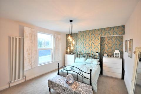3 bedroom terraced house for sale - Tulketh Brow, Ashton-on-Ribble, Preston, Lancashire, PR2 2SD