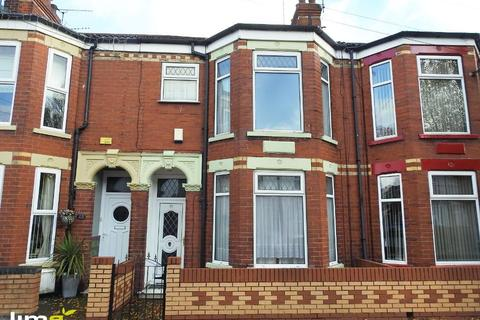 3 bedroom terraced house to rent - Southcoates Avenue, Hull, HU9 3HG
