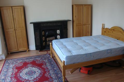 2 bedroom house to rent - Gwydr Crescent, Uplands, Swansea