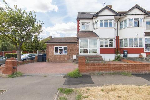 4 bedroom property for sale - Kensington Drive, Woodford Green