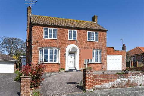 2 bedroom flat to rent - Challoners Close, Rottingdean, Brighton, East Sussex, BN2 7DG
