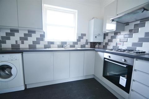 2 bedroom flat to rent - Shawcross House,Preston Road, Brighton, East Sussex, BN1 6SW