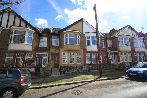 3 bedroom terraced house for sale - Inverness Avenue, Westcliff-on-Sea