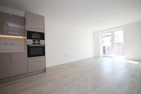 3 bedroom flat to rent - Granta Court, Acton, W3 7FU