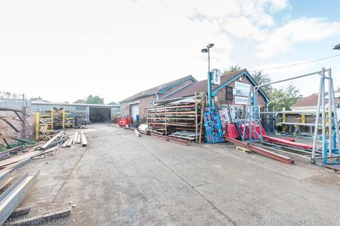 Property to rent - Beulah Crescent, Thornton Heath