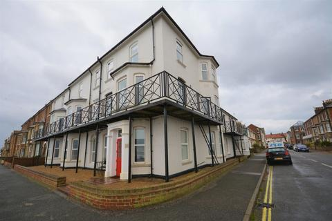 Studio to rent - North Parade, Southwold