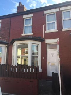 3 bedroom terraced house to rent - Boothley Road, Blackpool