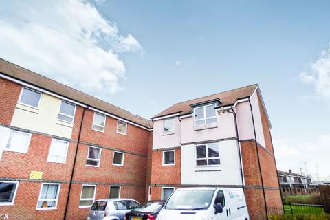 2 bedroom flat to rent - Hindmarsh Drive, Ashington, Northumberland, NE63 9FA