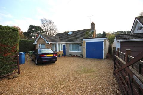 2 bedroom detached bungalow for sale - York Close, Broadstone