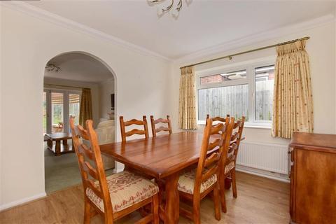 2 bedroom detached bungalow for sale - Angley Court, Horsmonden, Tonbridge, Kent