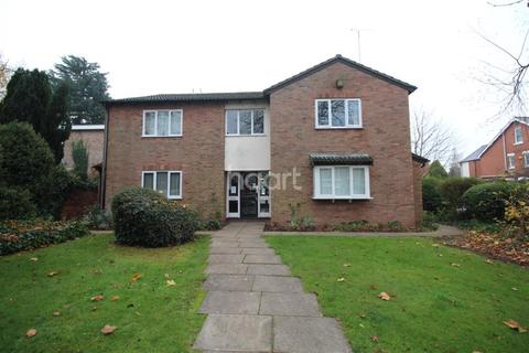Studio to rent - Woodlands Court, Earlsdon Avenue South