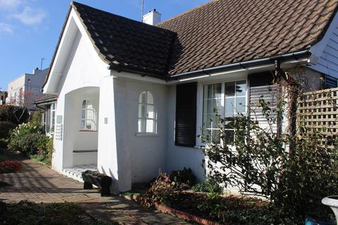 2 bedroom detached bungalow to rent - shortlands Close, Willingdon, Eastbourne BN22