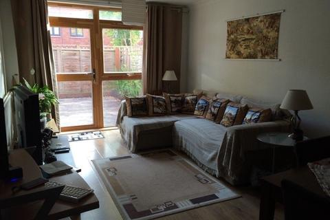 2 bedroom semi-detached house to rent - lee green SE12