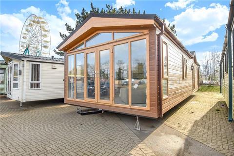 2 bedroom detached house for sale - Crow Lane, Billing Aquadrome, Northamptonshire