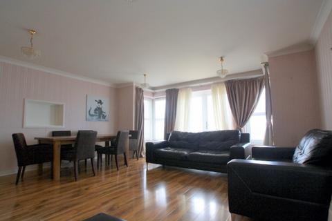 3 bedroom ground floor flat to rent - Kingsley Court