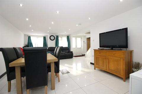 4 bedroom semi-detached house to rent - Howth Drive, Woodley, Reading, Berkshire, RG5