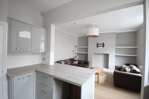 3 bedroom house to rent - Monk Bridge Place, Meanwood, Leeds