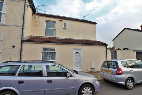 2 bedroom end of terrace house for sale - Laburnum Grove, North End