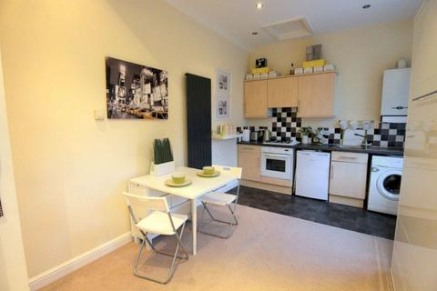 1 bedroom apartment to rent - White Hart Court, Stone