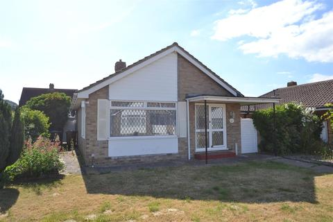 2 bedroom detached bungalow for sale - Went Hill Gardens, Eastbourne