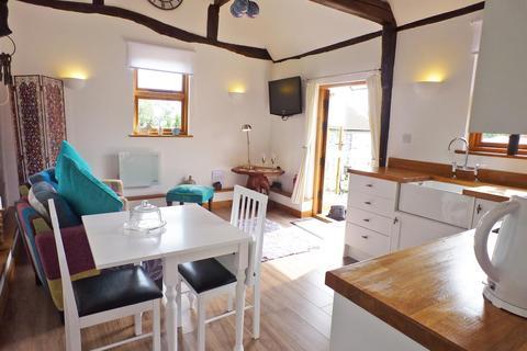 1 bedroom detached bungalow for sale - Boreham Hill, Boreham Street, Hailsham