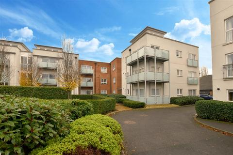 2 bedroom apartment to rent - Canalside, Redhill, Surrey