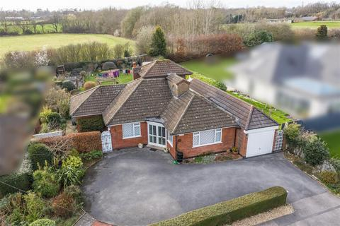 4 bedroom detached bungalow for sale - Nailcote Avenue, Coventry