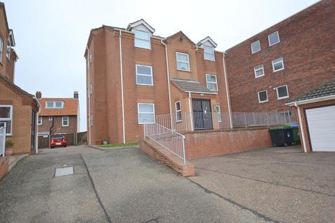 2 bedroom ground floor flat to rent - Vincent Road, Sheringham