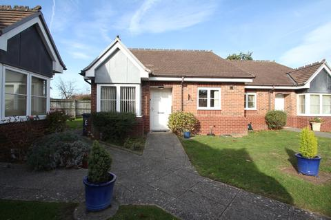 2 bedroom semi-detached bungalow for sale - Michael Blanning Place, Balsall Common